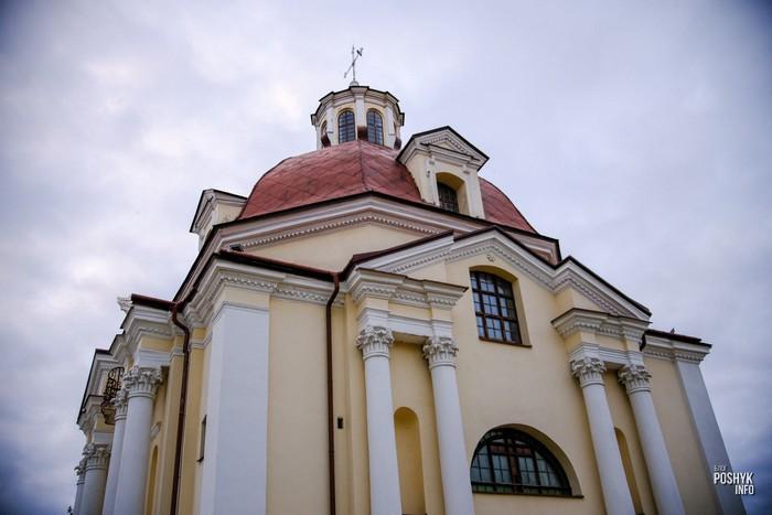 Костел Богоматери Шкаплерной в городе Мядель