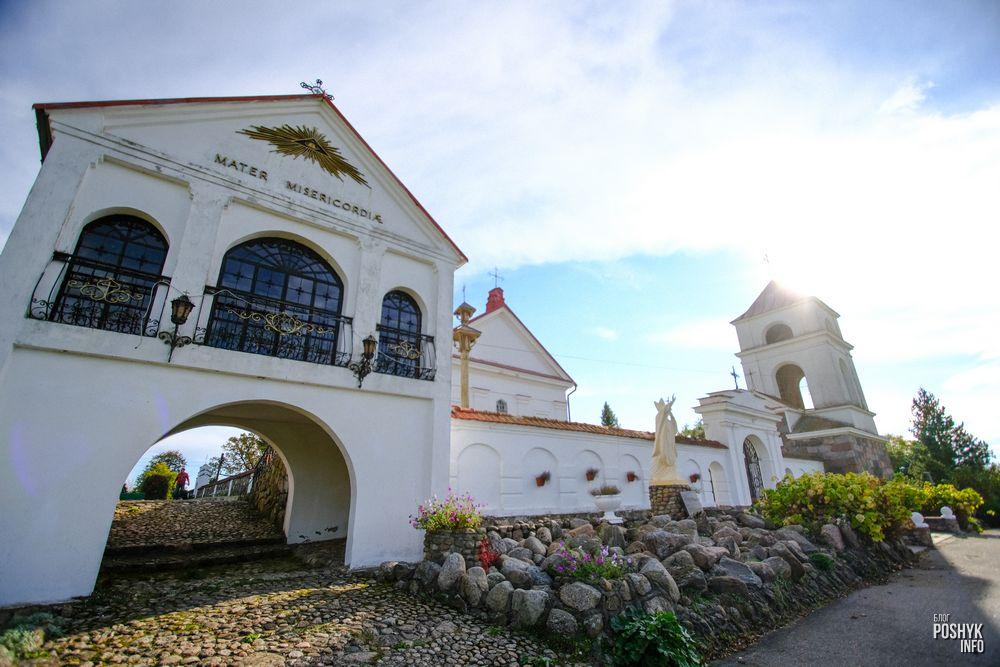 Костел святой Анны в деревне Мосар