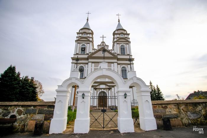 Костел в деревне Парафьяново