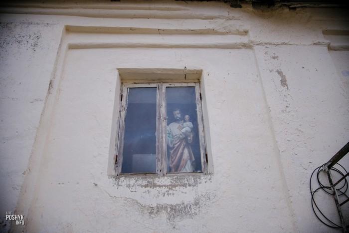 Статуя Иисуса с младенцем Мядель