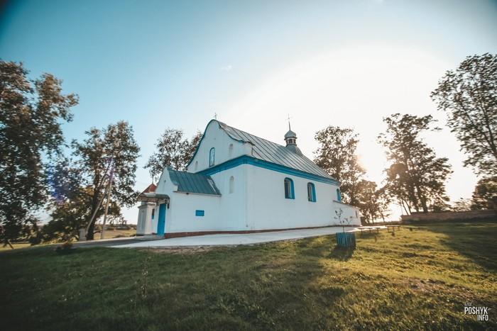 Церковь в деревне Великая Липа