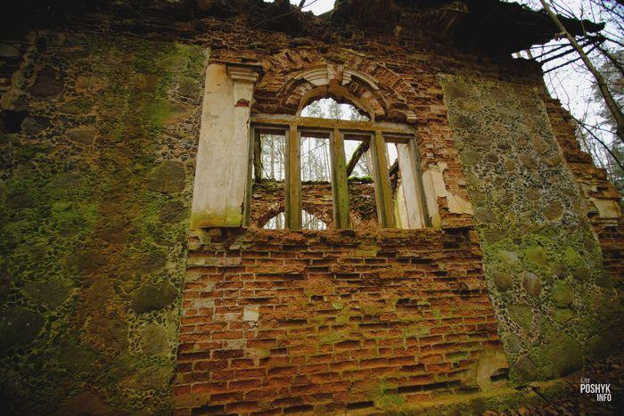 Руины часовни в Маньковичах