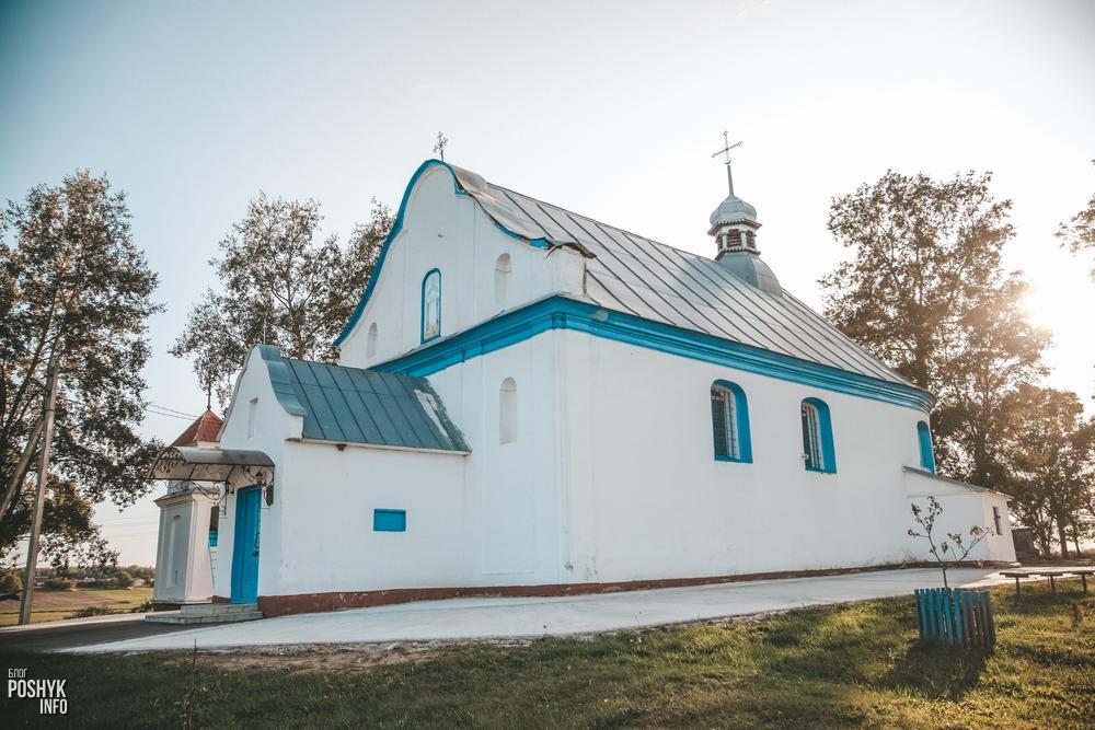 Покровская церковь в деревне Великая Липа