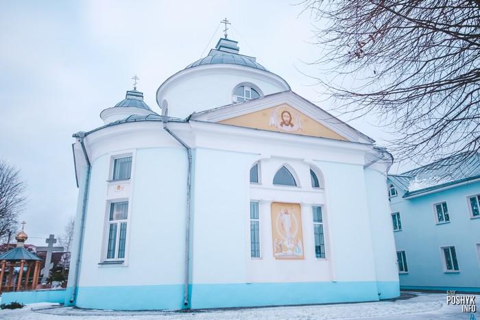 Церковь в деревне Вейно