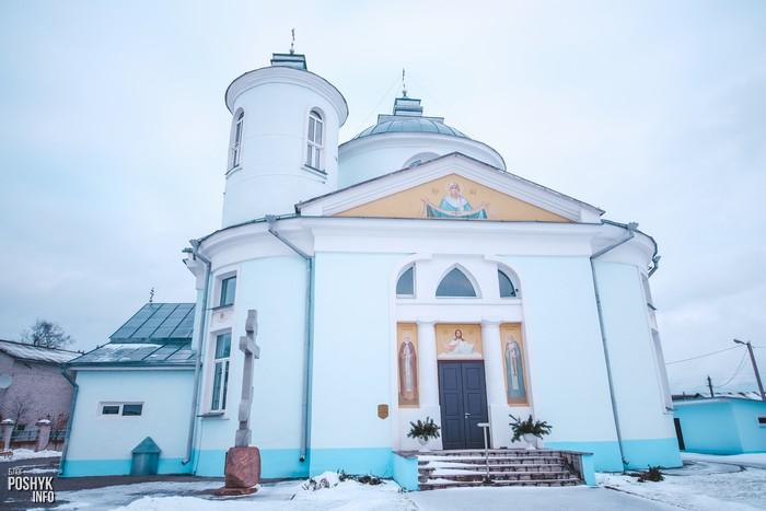 Церквоь в деревне Вейно