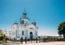 Церковь в деревне Довск
