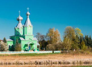 Деревянная церковь в деревне Старый Крупец