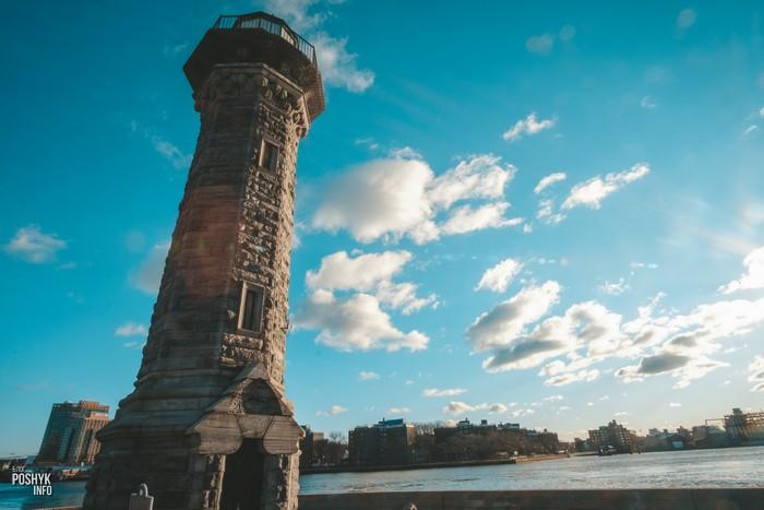 Маяк на острове Рузвельта Нью Йорк