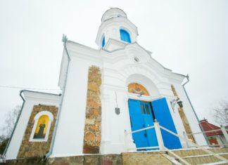Покровская церковь в деревне Красное