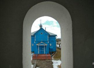 Покровская церковь и брама-колокольня в деревне Лань