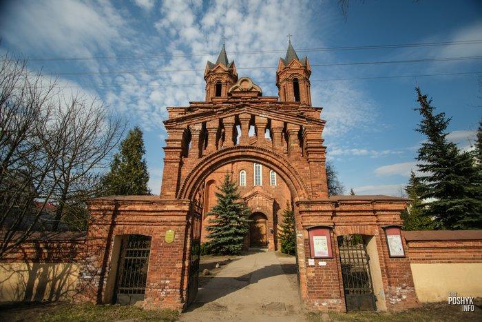 Брама костела в Витебске
