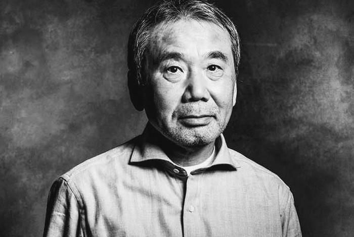 Харуки Мураками Биография