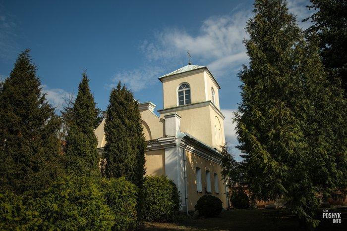 Каплица возле костела в Витебске