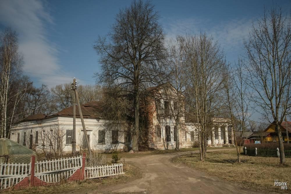 Заброшенная усадьба Гребницких в деревне Ореховно