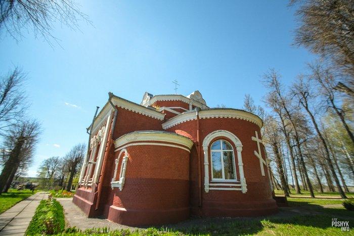 Необычная церковь в деревне Старое Высокое