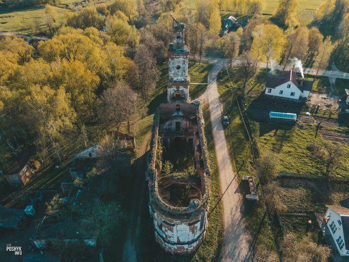 Заброшенная церковь в Онуфриево