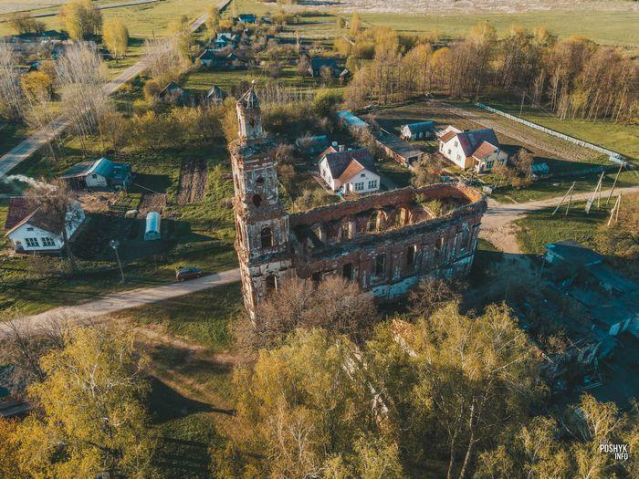 Заброшенный храм в Онуфриево