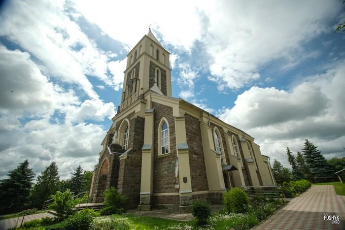 Костел Преображения Господнего в поселке Большая Берестовица