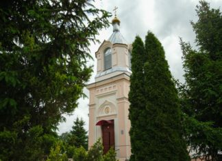 Церковь в поселке Индура