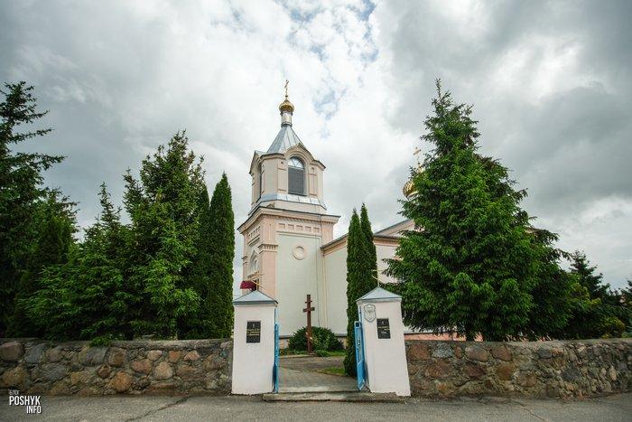 Церковь в деревне Индура