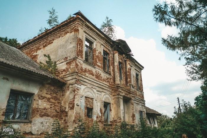 Заброшенная усадьба Трембицких в Линово
