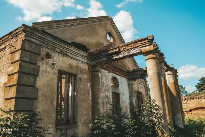 Руины флигеля Борисовщина