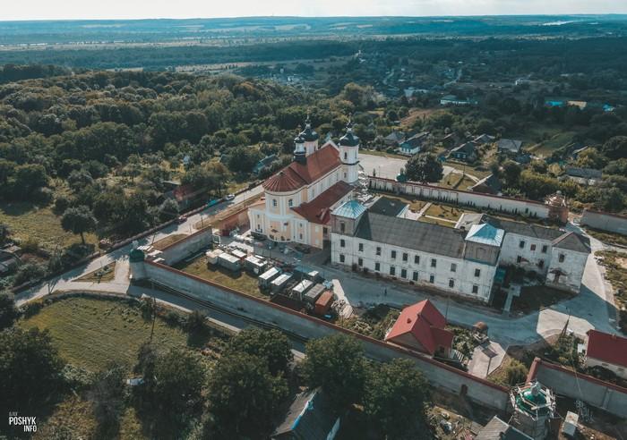 Монастырь в Юровичах