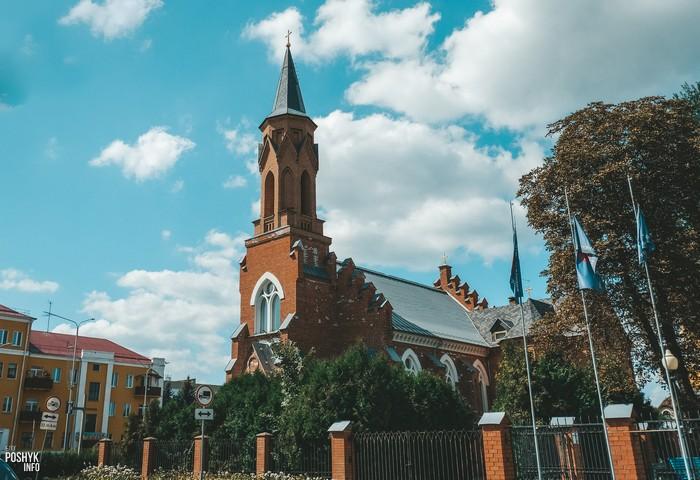 Неоготический костел в Речице, Гомельская область