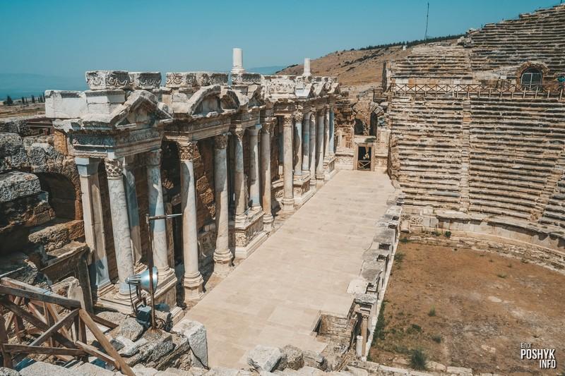 Римский театр (Roma Antik Tiyatro) в Памуккале