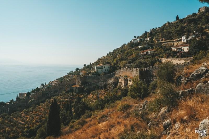Вилы расположенные на территории крепости Алании