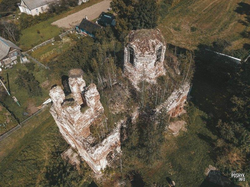 Руины храма в Межево