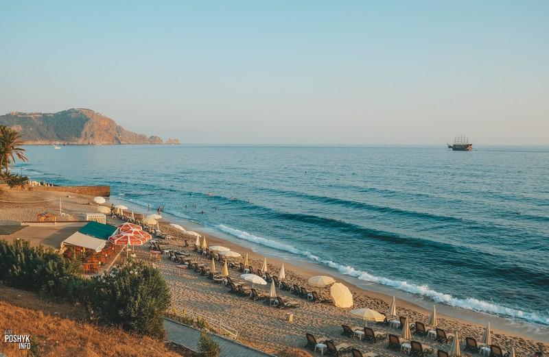 Пляж Клеопатра в городе Алания