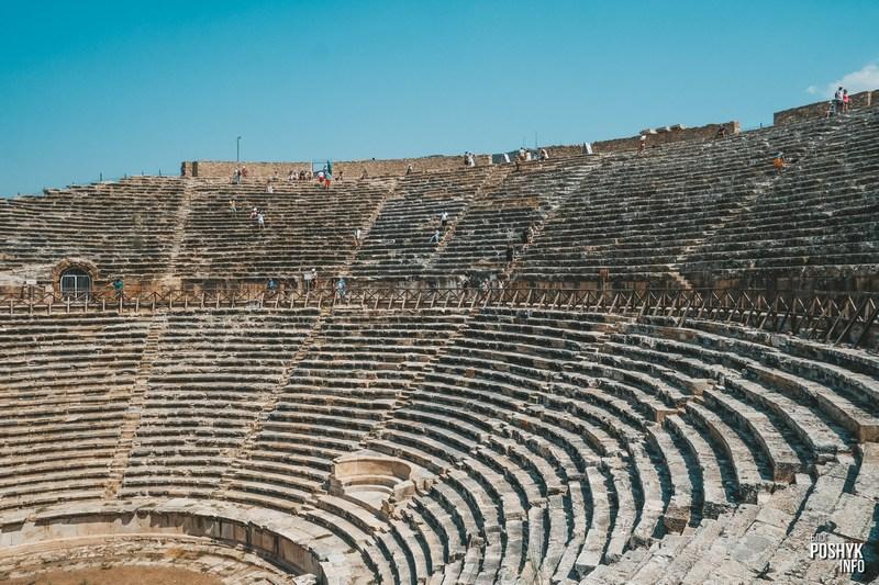 Руины амфитеатра в Памуккале