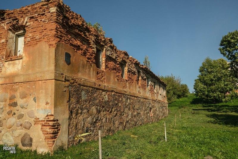 Заброшенное здание в Кореличах